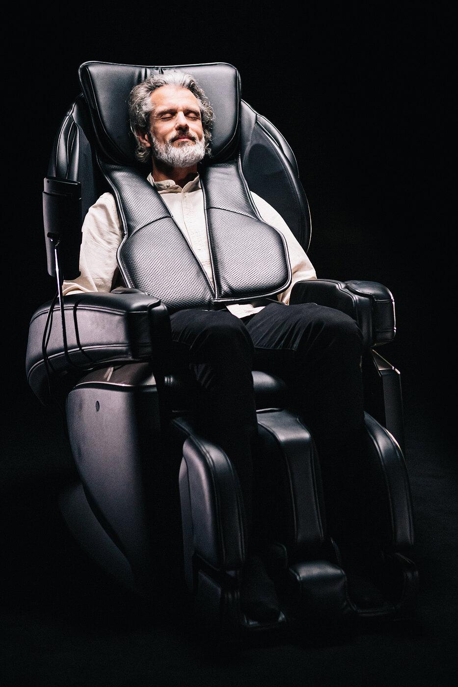 Ogrzewanie brzucha w fotelu masującym