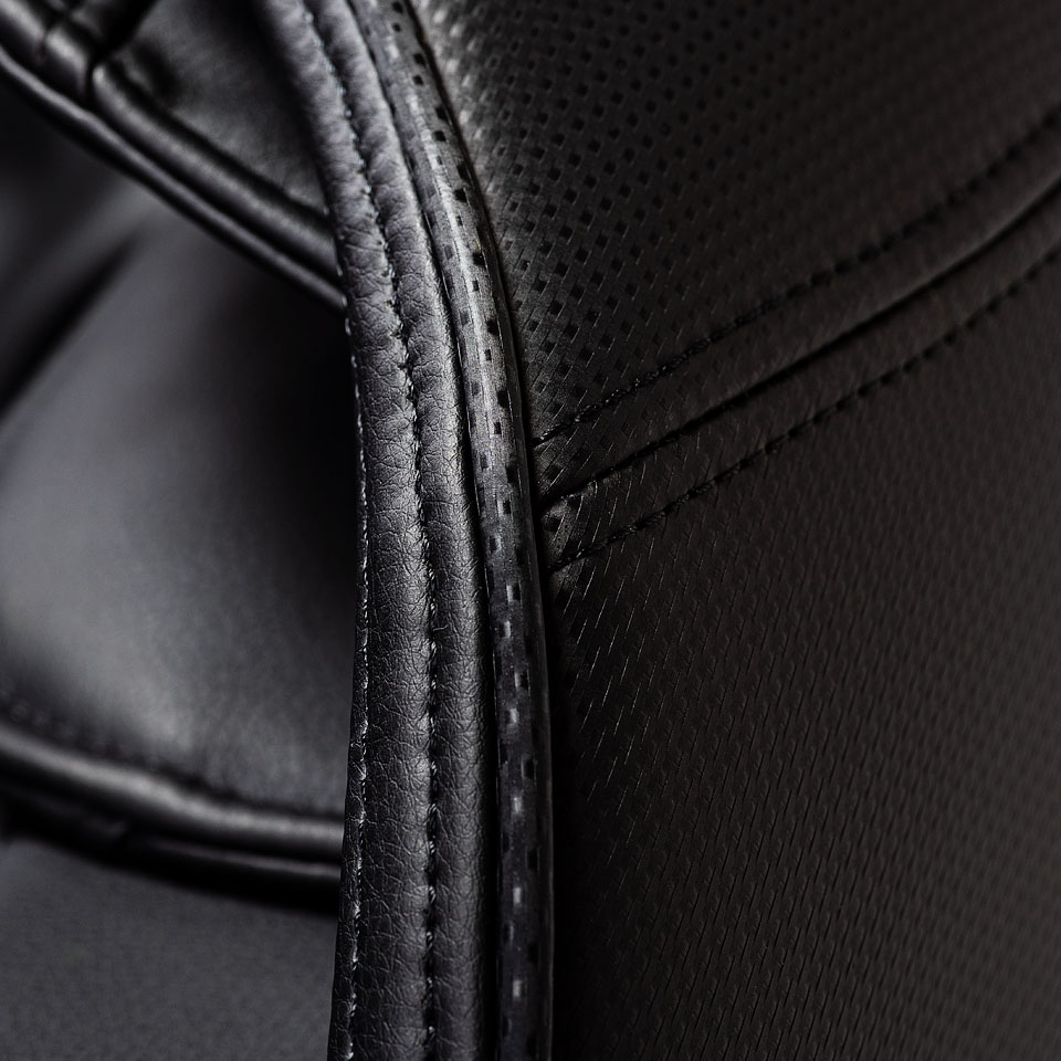Czarna tapicerka fotela z masazem Massaggio Eccellente 2