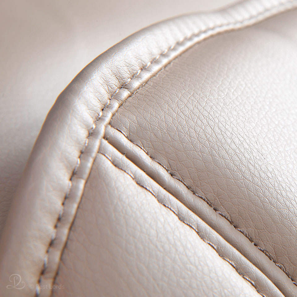 Beżowa tapicerka fotela masującego