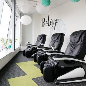 Fotel masujący w relax room