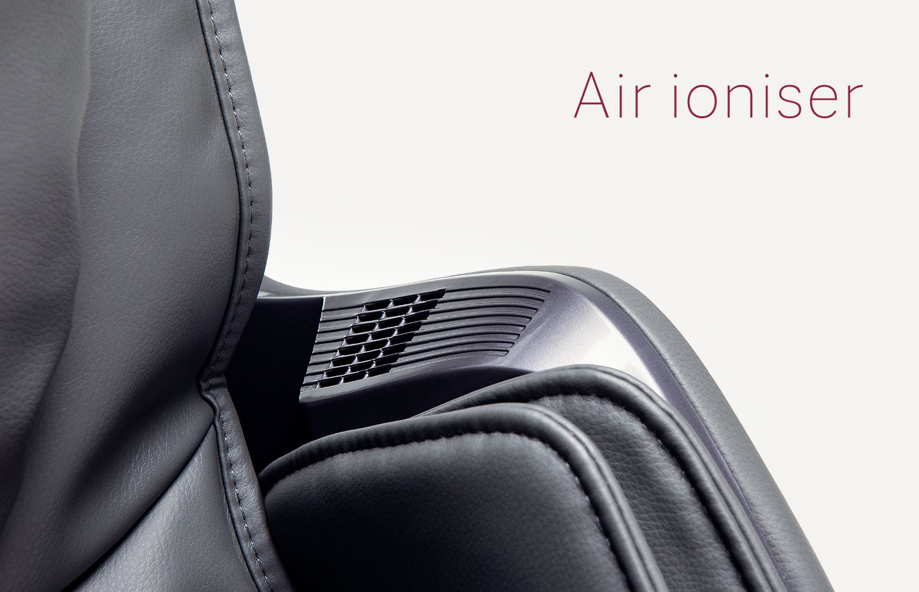 Air ioniser of massage chair